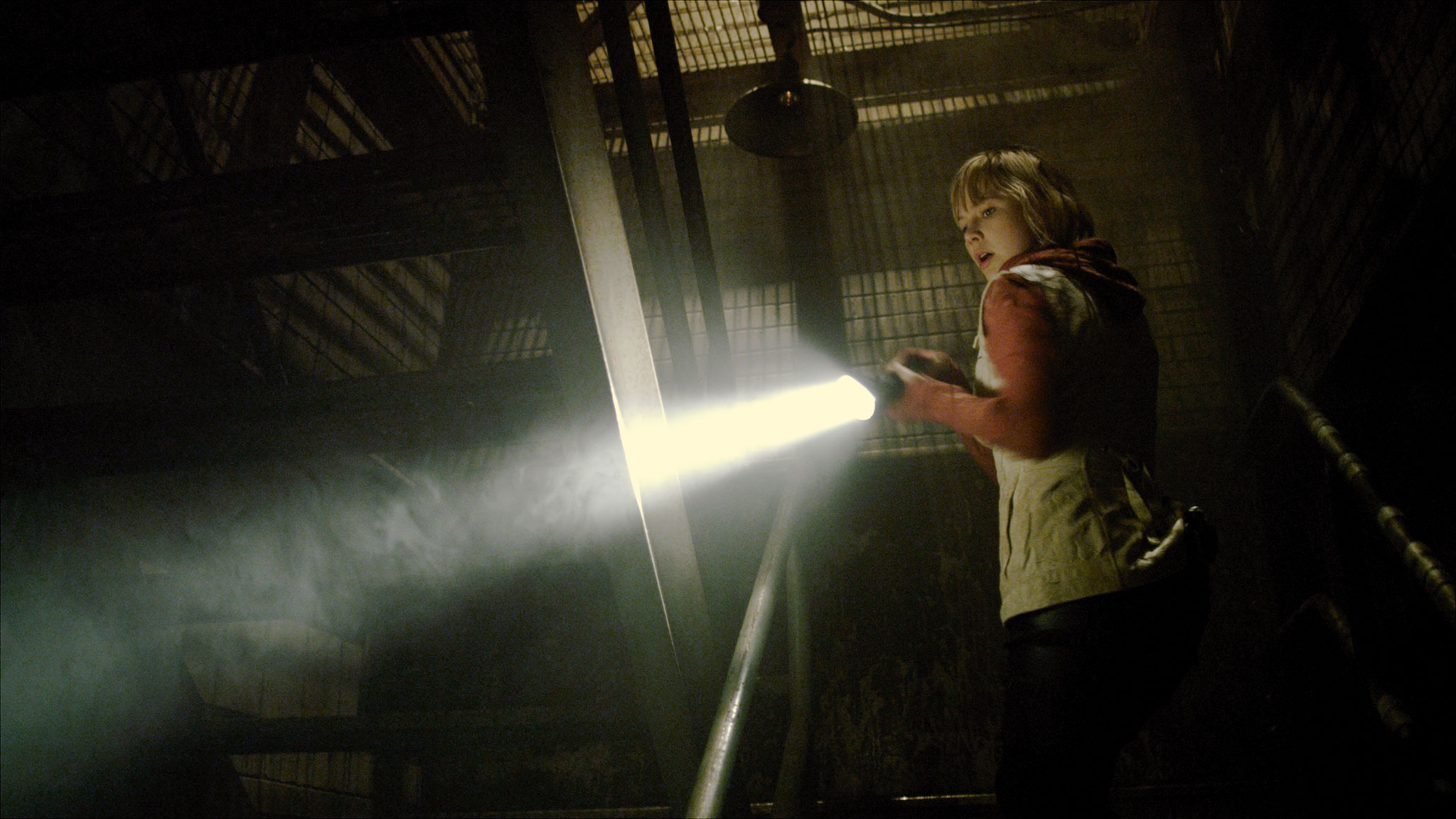 Heather with flashlight in Revelation Silent Hill movie
